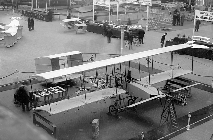 Olympia London 1909     Voisin biplane  -  Flightglobal archives